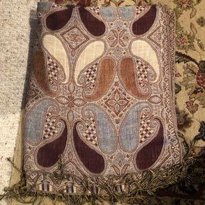 Delightful Allover Pattern Pashmina